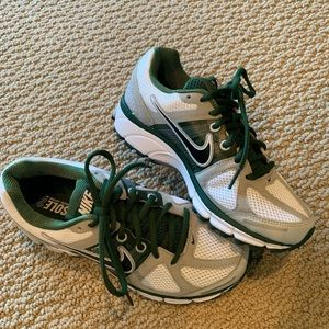 Nike Pegasus 28 Flywire Shoe Size 6.5 (NEW)